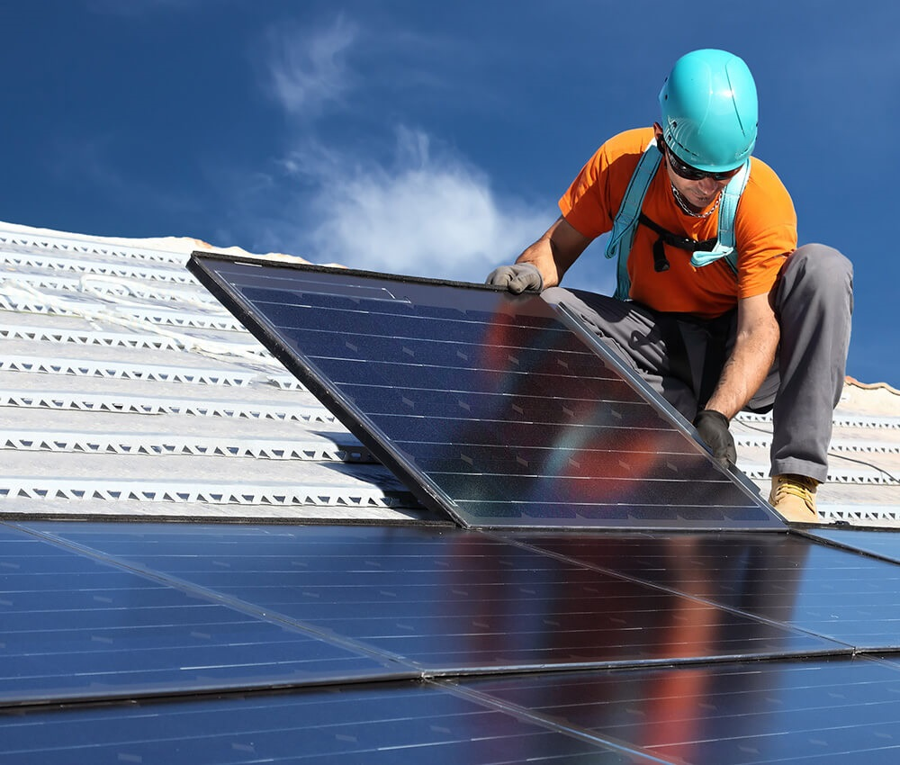 https://instalatori-nonstop.ro/wp-content/uploads/2019/04/montaj-panouri-solare-brasov.jpg
